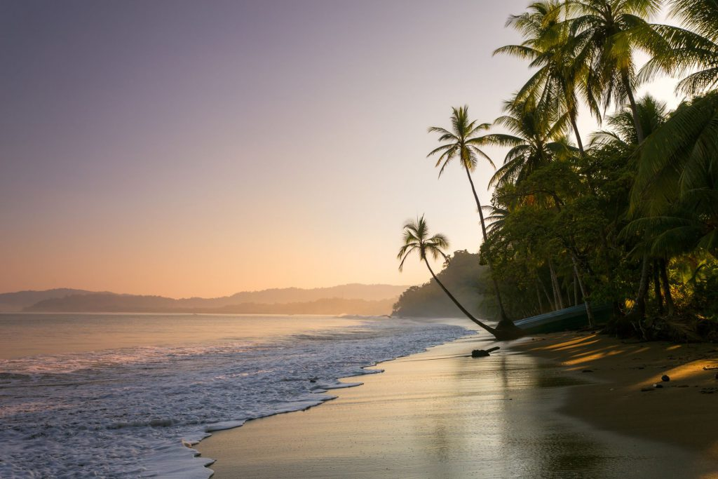 cheapest time to travel costa rica